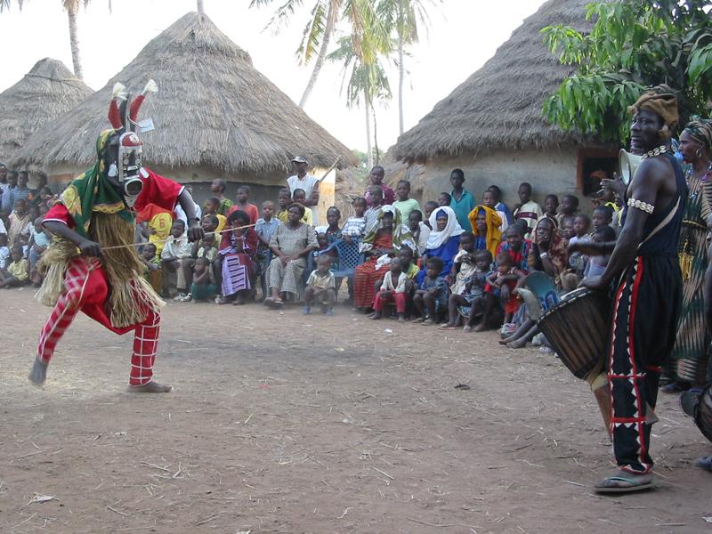 Foto Baro - Konden, die Maske und der Trommler