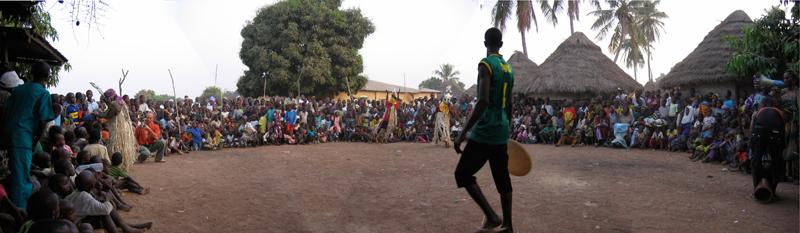 Foto Baro - Maskentanz Konden Panorama der Festgesellschaft
