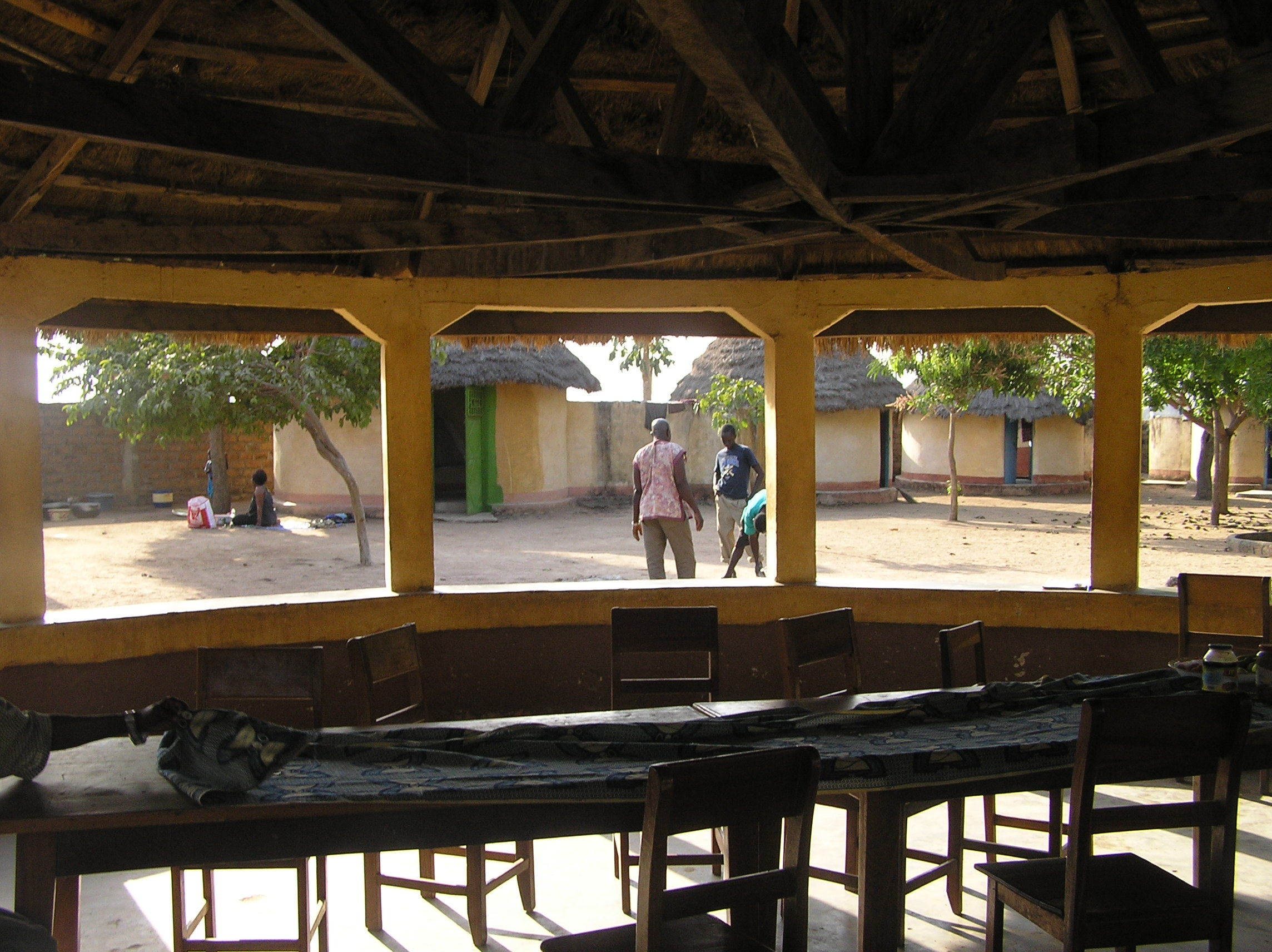 Foto Baro - Blick aus dem Treffpunkt auf dem Workshop-Platz